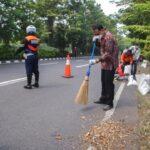 Walikota Surabaya Eri Cahyadi Monitor Langsung Satgas kebersihan