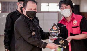 Penyerahan santunan dan pemberangkatan Relawan IWJ Bersama Bupati Jember